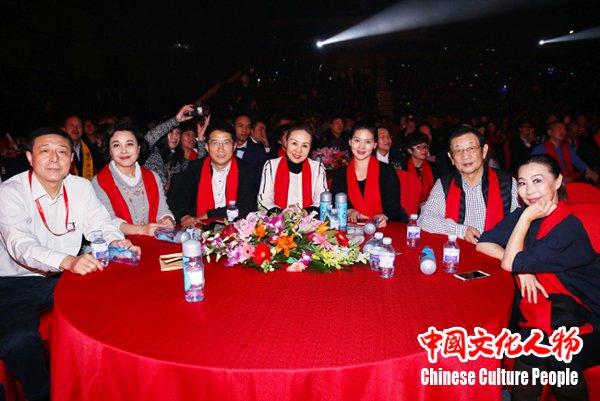 """中青朗顿荣获""""2016最具竞争力品牌"""""""